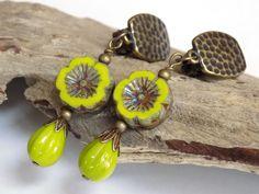 Flower Earrings for Women, Green Earrings, Clip on Earrings, Teardrop Earrings, Handmade Beaded Jewelry, Trendy Earrings, Gift for Mom by BlondePeachJewelry on Etsy
