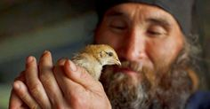 An Christian Orthodox monk with a bird! Religion, Bird People, Religious Images, Orthodox Christianity, We Are The World, Orthodox Icons, Nature Photos, Cool Pictures, Saints
