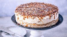 Seks iskaker du kan lage til mai - Godt. Norwegian Cuisine, Pudding Desserts, Dessert Drinks, Something Sweet, Pavlova, Let Them Eat Cake, I Love Food, Cake Cookies, Just Desserts