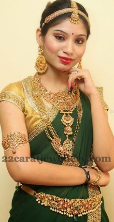 Latest Collection of best Indian Jewellery Designs. South Indian Weddings, South Indian Bride, Indian Bridal, Indian Jewellery Design, Indian Jewelry, Jewelry Design, Bridal Jewelry Sets, Wedding Jewelry, Bridal Jewellery