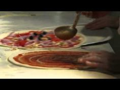 Making our Pizza Pizza Vans, Catering, Buffet, Good Food, Tasty, Beef, Meat, Catering Business, Gastronomia
