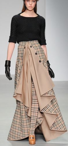 Daks Fall14 RTW - What could I do with this idea in a pencil skirt?? love all the possibilities!
