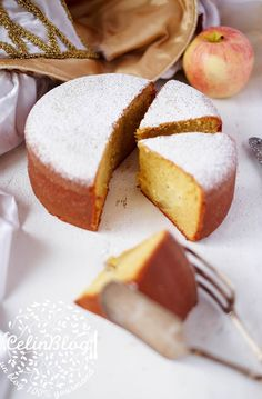 Le cake d'amour Imagine swallowing the ring 😅 French Desserts, Sweet Desserts, No Bake Desserts, Tart Recipes, Appetizer Recipes, Cooking Chef, Cooking Recipes, Glaze For Cake, Plain Cake