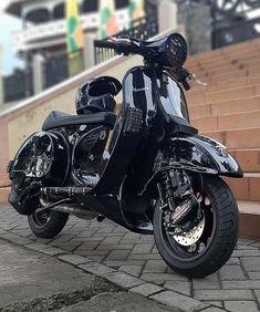 Vespa Motorcycle, Vespa Bike, Piaggio Vespa, Lambretta Scooter, Vespa Scooters, Vespa Lxv, Vespa Px 150, Lml Star, Custom Vespa