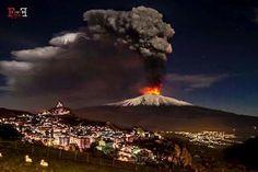 L'Etna che erutta