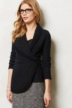 Curve Collar Cardigan || structured cardigan with big collar frames the face/provides focal point to outfit.