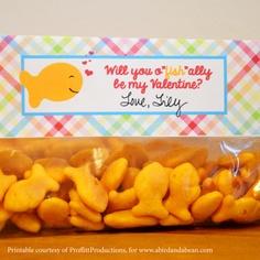 printable Valentines goldfish bag topper