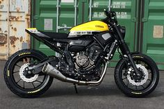 '15 Yamaha XSR700 – Motomax Metz.   It's amazing how much the big motorcycle manufacturers have changed inthe past ten years. Up until very recently, bike customisers were little more than pariahs to the factories. All their hard engineering work,undone in the fell swoop of an errant oxy torch or angle grinder. You could almost hear the engineers in Japan and Europe weeping in pain....