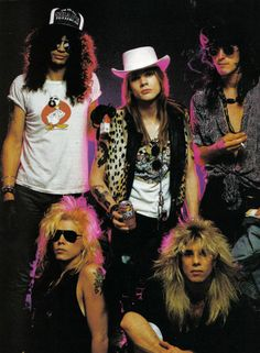 Slash, Duff McKagan, Axl Rose, Steven Adler and Izzy Stradlin of Guns N' Roses Axl Rose, Guns N Roses, Hard Rock, Band Photos, Rose Photos, Thrash Metal, Iron Maiden, Great Bands, Cool Bands