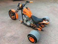 Resultado de imagem para chasis de trike con motor Trike Bicycle, Trike Motorcycle, Small Motorcycles, Custom Motorcycles, Trike Chopper, Drift Trike Motorized, Custom Trikes, Motorised Bike, Kids Ride On