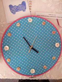 Embroidery hoop clock 'blue dot' 2014
