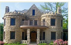 Rene Kelley's Harvest Restaurant in the Caenan Castle- Shawnee. The sweet potato gnocchi is supposed to be good. Castle House Plans, Small Castles, Stone Houses, Beautiful Buildings, Old Houses, Exterior Design, New Homes, Cottage, House Design