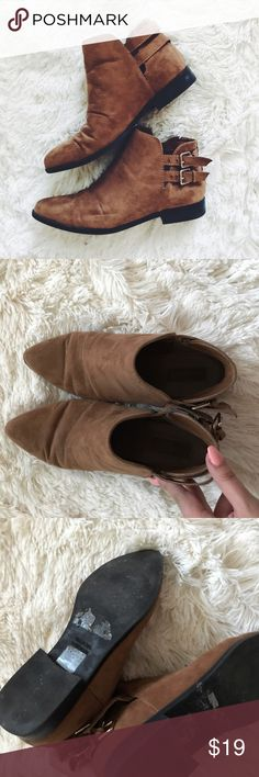 Forever 21 Brown Booties Perfect Condition Bundle and Save 💕 Forever 21 Shoes Ankle Boots & Booties