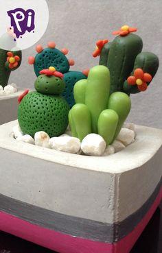 Cactus artificales de Pasta Fracesa, sin importar tu edad son la mejor opcion en plantas para decorar, aprende a hacerlos aqui: https://www.youtube.com/watch?v=EKsHlcswiew , y complementa con una elegante maceta de cemento, checa como hacerlas aqui: https://www.youtube.com/watch?v=McigpkC2o3A