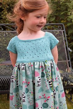 "Free Pattern for Knit and Sew Eyelet Dress - This dress for little girls features a short-sleeved eyelet bodice with fabric skirt. Sizes 2 and 4 years. ""Robe d'été en tricot et liberty"" designed by Sandrine Bianco. Available in English and French. Pictured project by lindsaymudd"