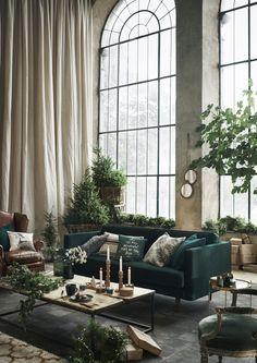 Dark Green Sofa That – Home Interior Design Ideas – Sofa Design 2020 Decoration Inspiration, Interior Design Inspiration, Room Inspiration, Interior Design Plants, Christmas Inspiration, Decor Ideas, Interior Exterior, Home Interior, Interior Architecture