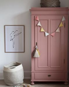 don't you guys love it… – Magical surroundings ? don't you guys love it… – Magical surroundings ? don't you guys love it… – Magical surroundings ? don't you guys love it… – Baby Room Themes, Baby Room Diy, Baby Boy Rooms, Girl Nursery, Girl Room, Girls Bedroom, Bedroom Decor, Painted Wardrobe, Pink Wardrobe