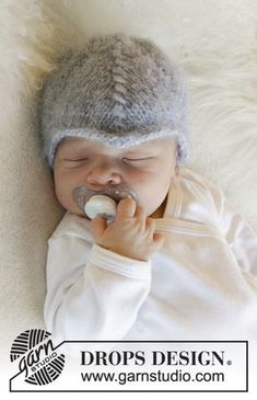 Milian - Knitted hat with lace pattern for baby. Size premature - 4 years Piece is knitted in DROPS Air. Free knitted baby pattern DROPS Baby 31-22