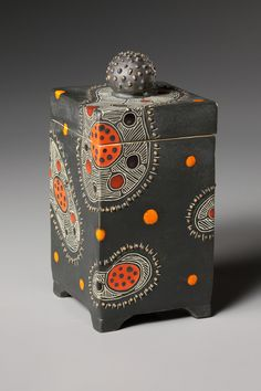 """Decorative Boxes: Sasha Bakaric, """"Inspiration comes from microscopic images of cells & microorgani. Ceramic Boxes, Ceramic Jars, Ceramic Clay, Slab Pottery, Ceramic Pottery, Pottery Art, Ceramics Projects, Clay Projects, Slab Boxes"""