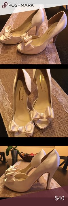 New Bridal White Open Toe Shoes Size 8 I bought these shoes for my wedding but never wore them. Shoes Heels