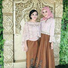 Inspired by 💞💞💞 Kebaya Hijab, Kebaya Brokat, Kebaya Dress, Kebaya Muslim, Indonesian Kebaya, Indonesian Girls, Dress Brokat Modern, Lace Skirt, Sequin Skirt