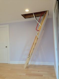 4 Adorable Cool Tips: Attic Stairs In Kitchen attic organization guest bedrooms. Attic Staircase, Attic Ladder, Attic Loft, Attic Theater, Attic Library, Attic Playroom, Bedroom Loft, Small Attic Room, Small Attics