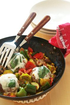 Italian Meatballs Italian Meatballs, Chicken, Tableware, Kitchen, Food, Dinnerware, Cooking, Tablewares, Kitchens