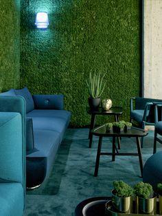 Mit den handgepflückten Moos - Pixel lassen sich schöne Wandverkleidungen gestalten. Das Akustikmoos kommt aus Skandinavien und ist patentiert. Sofa, Couch, Outdoor Furniture Sets, Outdoor Decor, Design, Home Decor, Sound Proofing, Acoustic, Wall Panelling