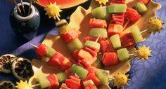 Brochettes de jambon cru, papaye et kiwiVoir la recette des Brochettes de jambon cru, papaye et kiwi >>