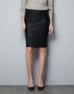 LEATHER PENCIL SKIRT - Skirts - Woman - ZARA - has a small ruffle in the back super cool