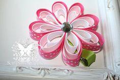 Escultura Clippies chicas Megan flor rosa por SculptureClippiesNCo