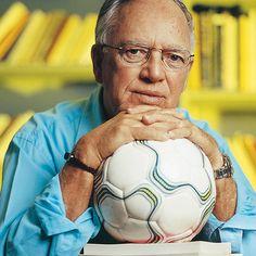 Armando Nogueira - Monstro sagrado da crônica esportiva brasileira.