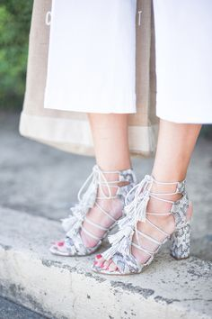 white jean culottes & tasseled snakeskin sandals #shoes #style #fashion #9to5chic