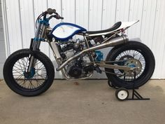 caferacerpasion.com  Kawasaki #FlatTrack by KULLY CO [TAGS] #caferacerpasion #kawasaki #caferacersofinstagram #caferacerxxx #caferacerporn #caferacergram