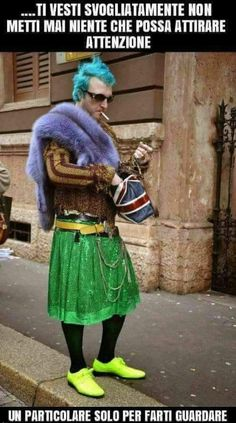 Albachiara Italian Love Quotes, Italian Memes, Funny Pins, Funny Memes, Hilarious, Funny Stuff, Ugly Outfits, Married With Children, Bad Fashion