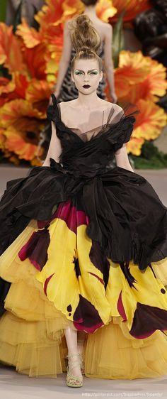 Christian Dior Haute Couture Fall 2010 - StyleBistro
