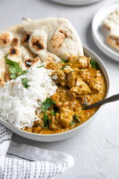 Butter Chicken, or Murgh Makhani, is a classic Indian chicken recipe made with tender juicy chicken pieces cooked in creamy, mildly spiced tomato sauce. Vegan Pizza Recipe, Pizza Recipes, Healthy Dinner Recipes, Cooking Recipes, Indian Chicken Recipes, Indian Food Recipes, Ethnic Recipes, Chinese Lemon Chicken, Into The Fire