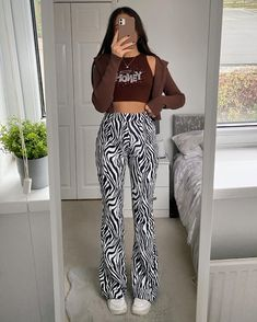 Paris Outfits, Teen Fashion Outfits, Mode Outfits, New Outfits, Cute Casual Outfits, Stylish Outfits, Fancy Tops, Mode Streetwear, Looks Style