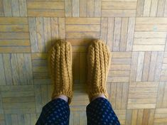 Leg Warmers, Slippers, Legs, Shoes, Fashion, Leg Warmers Outfit, Moda, Zapatos, Shoes Outlet
