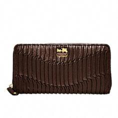 17 best coach wallets for women images coach wallet coin purse rh pinterest com