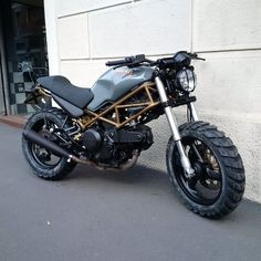 Ducati Monster 600 | FINN.no Ducati 600, Moto Ducati, Ducati Cafe Racer, Cafe Bike, Ducati Monster 750, Monster Motorcycle, Ducati Monster Custom, Motorcycle Equipment, Custom Motorcycle Helmets