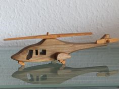 Casa airplane aviator wood handmade by on Etsy Wooden Plane, Wooden Toy Cars, Woodworking Toys, Woodworking Projects, Wood Toys Plans, Wood Games, Small Wood Projects, Wood Art, Wood Crafts