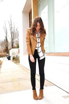12 Spring Booties You Need In Your Closet ASAP &; 12 Spring Booties You Need In Your Closet ASAP &; Alyson OOTD Tan leather jacket black and white […] outfit spring Mode Outfits, Fall Outfits, Long Shirt Outfits, Winter Outfits 2019, Winter Outfits For Work, Tan Leather Jackets, Spring Boots, Work Fashion, Fashion Women
