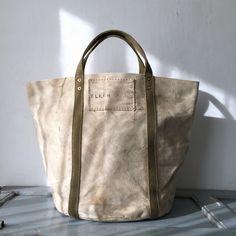 40's USN heavy canvas bucket bag. IND_BNP_0271 W51cm H37cm D32cm Handle35cm