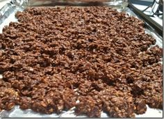 Chocolate Peanut Butter Granola by Hungry Hungry Hippie