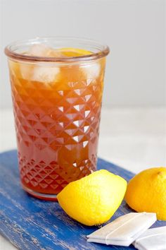 It really doesn't get more refreshing than a chilled glass of homemade lemon iced tea! For this recipe, you can actually taste REAL black tea and REAL lemon – not just sweetness. It's easy to make too! I love making my own iced tea because I can adjust the sugar according to my taste - definitely a healthy alternative to store-bought ones. #icedtea #lemon #summerdrink Holiday Drinks, Summer Drinks, Cocktail Drinks, Cocktails, Lemon Iced Tea Recipe, Iced Tea Recipes, Fresh Lemon Juice, Fresh Fruit, Homemade Iced Tea
