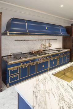 Home Appliances Lowest Price Kitchen Stove, Kitchen And Bath, Luxury Kitchens, Home Kitchens, Custom Kitchens, Home Decor Kitchen, Kitchen Interior, Best Kitchen Design, Cuisines Design
