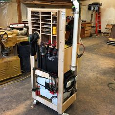 I spent a little time pimpin' my shop cart today. I love my @festool_usa gear…