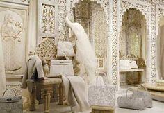 Hermes Paris: Latest Window Display! «