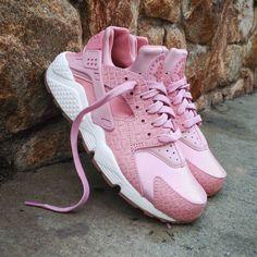 "Nike Air Huarache Wmns ""Pink Glaze Pearl"" Size Man - Price: 129 (Spain Envíos Gratis a Partir de 75) http://ift.tt/1iZuQ2v  #loversneakers#sneakerheads#sneakers#kicks#zapatillas#kicksonfire#kickstagram#sneakerfreaker#nicekicks#thesneakersbox #snkrfrkr#sneakercollector#shoeporn#igsneskercommunity#sneakernews#solecollector#wdywt#womft#sneakeraddict#kotd#smyfh#hypebeast #nikeair#huaraches #nike #huarache"